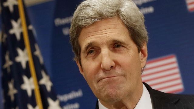 Керри с необъявленным визитом посетил Сомали