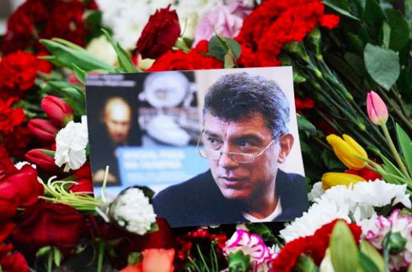 Дочери Немцова вручили орден отца в посольстве Украины