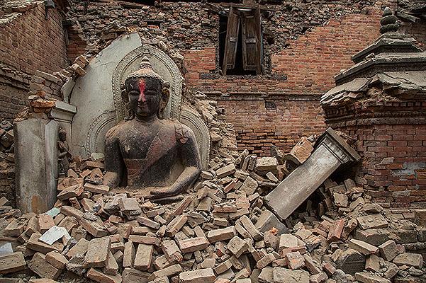 Трое россиян оказались отрезанными от мира землетрясением в Непале
