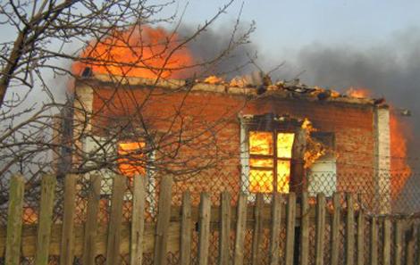 Поездка на дачу под Волгоградом закончилась трагедией: в пожаре погибли 5 человек