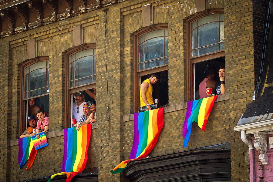 Граждане РФ стали хуже относиться к геям