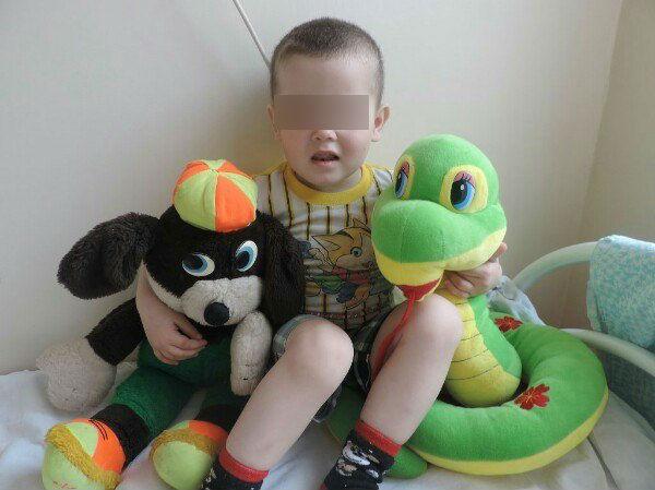 Трехлетнего мальчика из Тольятти дважды бросили в чужом городе