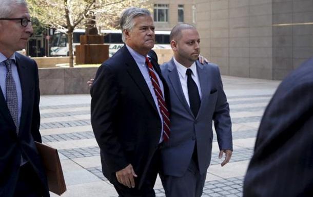 Глава сената штата и его сын арестованы в США за шантаж и мошенничество