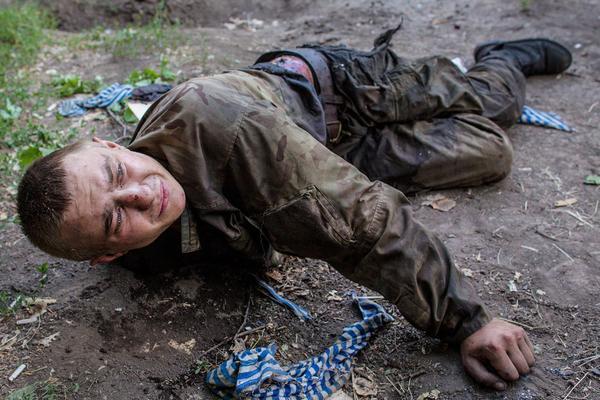 Украинский экипаж попал в засаду: офицер и водитель убиты, солдаты – в плену