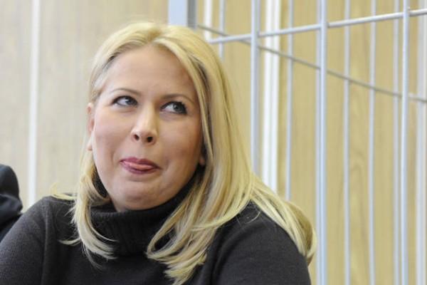 Васильева покинула колонию по УДО в кортеже