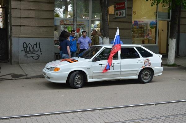 Во время праздничного автопробега в Пятигорске погибла девушка