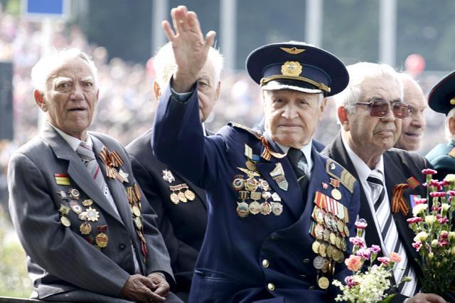 Ветераны ВОВ отвезут подарки в Донбасс к юбилею Победы