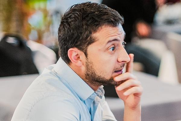 Война заставила Зеленского заморозить съемки сериала «Сваты-7»