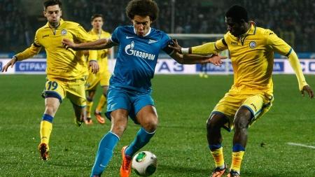 «Зенит» выиграл 12-й матч подряд в чемпионате России по футболу