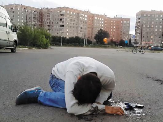 В Череповце спасли троих подростков, упавших в обморок после употребления
