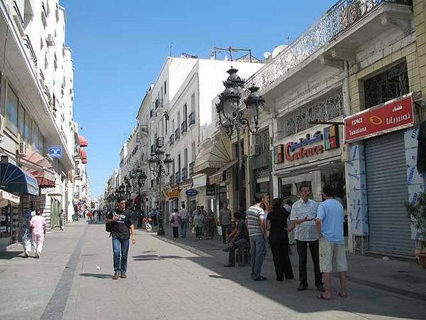 Тунис заманивает туристов из России рублями