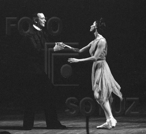 """Майя Плисецкая и  Ролан Пети на премьере """"Больная роза"""", 1973 год."""