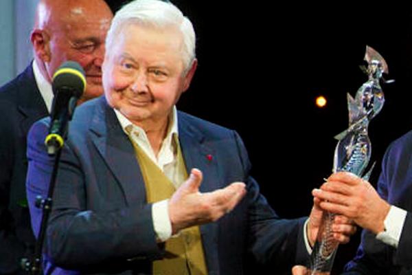 Марк Захаров и Олег Табаков получили самую хрупкую театральную премию