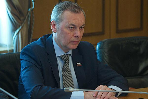 Тарнавский: Надо относиться к федеральному бюджету как к своему карману