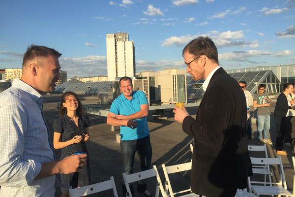 Навальный отметил день рождения на крыше