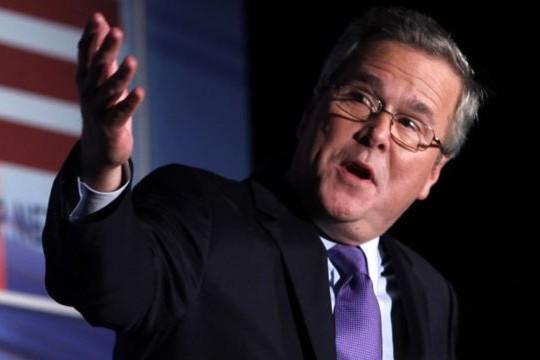 Сын Буша призвал изолировать Кремль от россиян