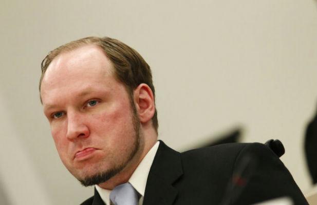 Норвежскому террористу Андреасу Брейвику угрожают смертью