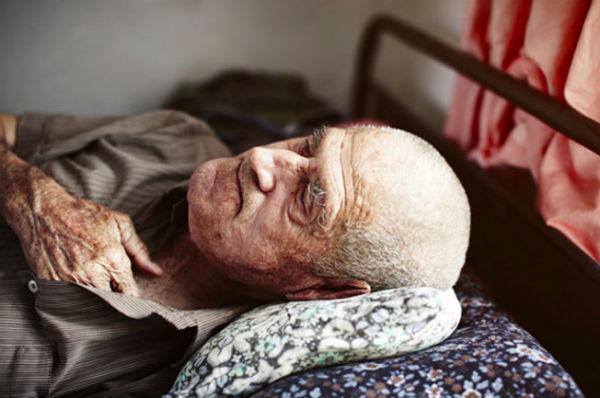Если пришедший покойник во сне болен – скоро вы столкнетесь с несправедливостью.