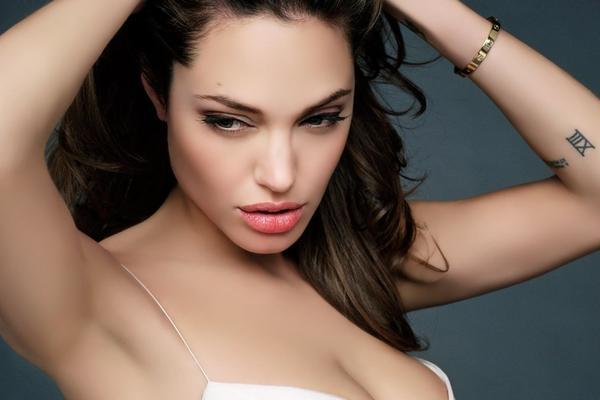 Календарь: 16 июня - главный праздник Анджелины Джоли