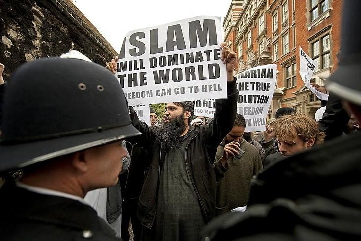 СМИ: Европейцы побегут от исламских фанатиков в Россию