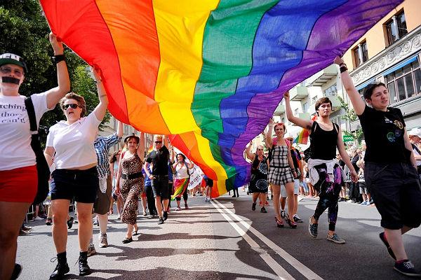 Перестрелка на гей-параде в Сан-Франциско закончилась ранением пожилого мужчины