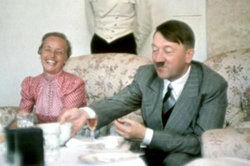 Тайник Гитлера с коньяком и шампанским обнаружили в старинном замке