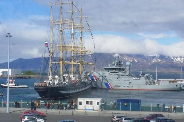 «Крузенштерн» получил разрешение от властей Рейкьявика на возвращение в Россию