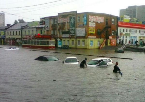 Курск утонул во время ливня