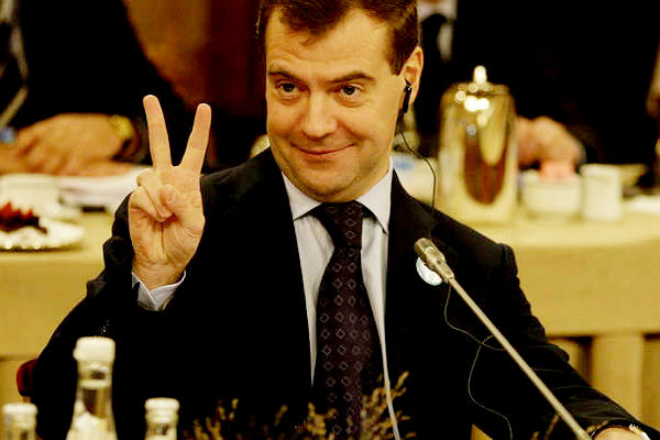 Медведев пожелал выпускникам