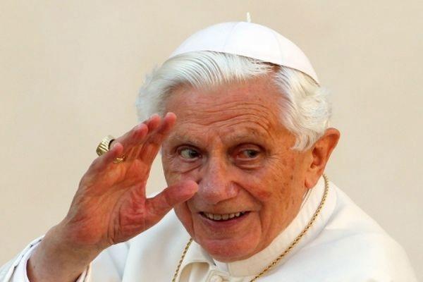 Портрет Папы Римского, сделанный из презервативов, выставят в музее США