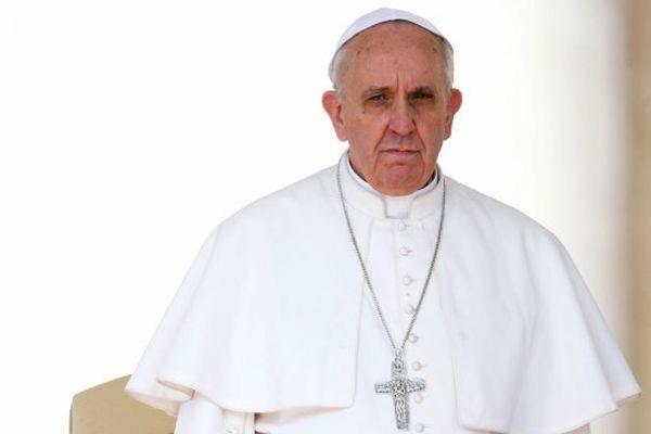 Папа Римский принял отставку двух архиепископов из-за секс-скандала