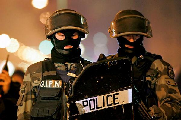 Два теракта, запланированные исламистом, предотвращены французскими полицейскими