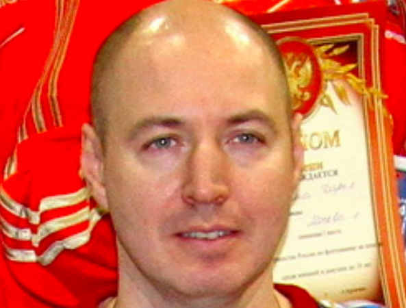 Олимпийский чемпион Шариков погиб, столкнувшись с полицейской машиной