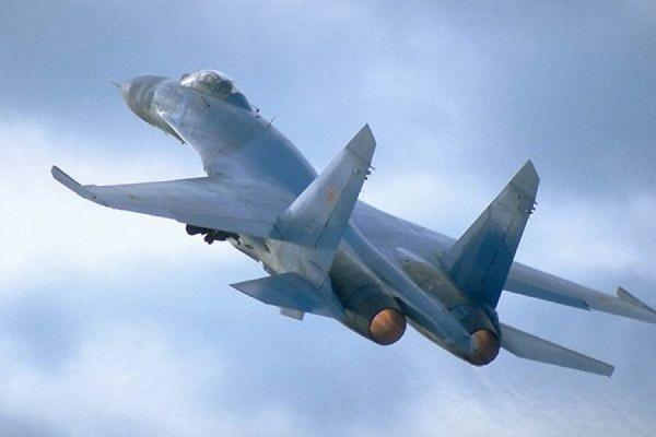CNN: Истребитель ВВС России пролетел в трех метрах от самолета США над Черным морем