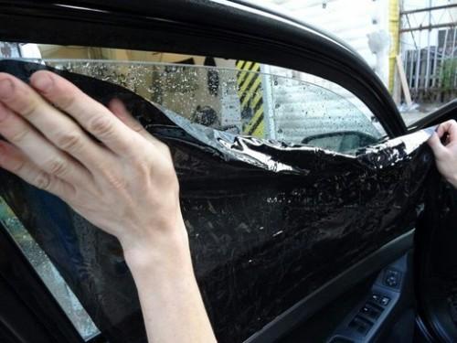 В Госдуму внесен законопроект о лишении водительских прав за тонировку
