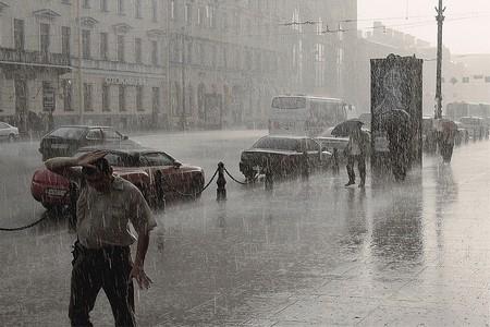 Обширный циклон обрушился на Центральную Россию