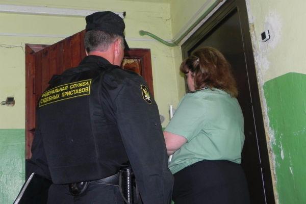 Алиментщица из Новгорода похудела до неузнаваемости, чтобы скрываться от приставов