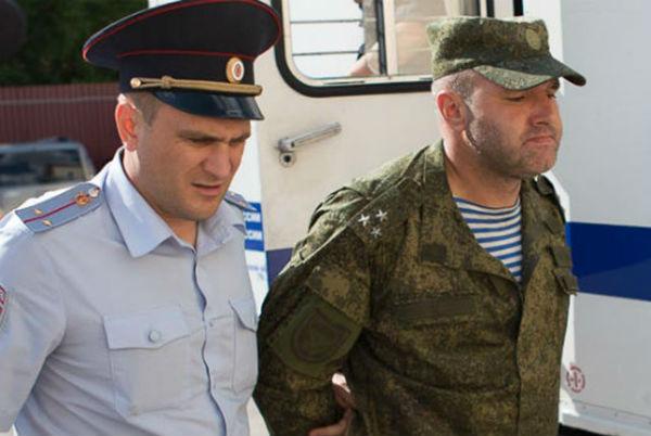 Начальника обрушившейся казармы в Омске отпустили под домашний арест