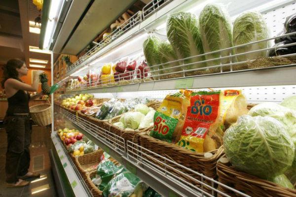 Росстат: Впервые за год цены на продукты упали