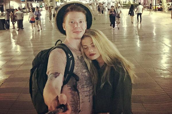 Никита Пресняков отдыхает с подругой в Барселоне