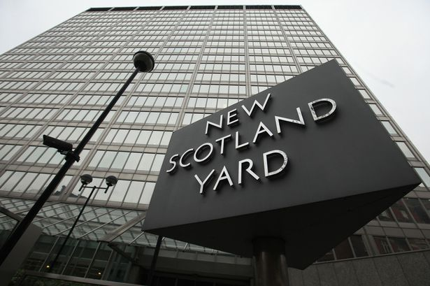 В Лондоне арестована 15-летняя девочка-террористка