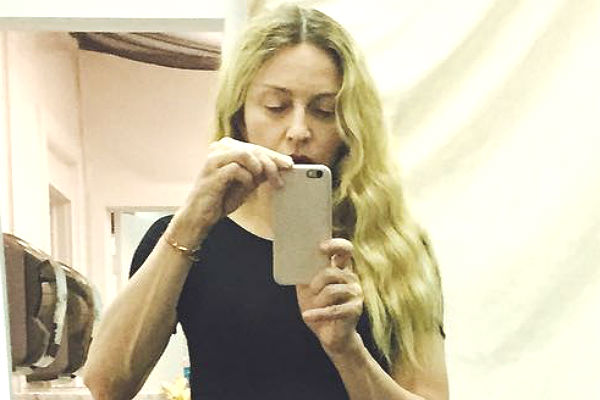 Мадонна шокировала поклонников фотографией без макияжа