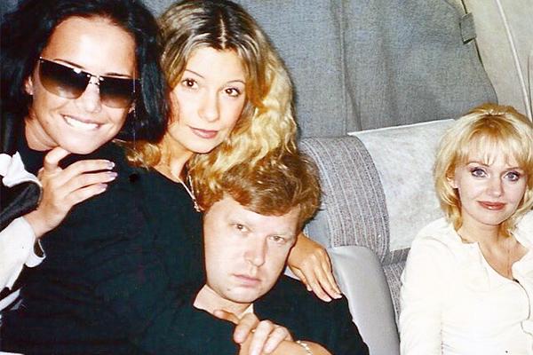 Певица Ольга Орлова опубликовала архивный снимок Жанны Фриске и Валерии