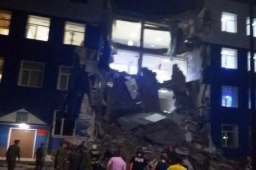 Минобороны: Жертвами обрушения казармы ВДВ в Омске стали 12 человек