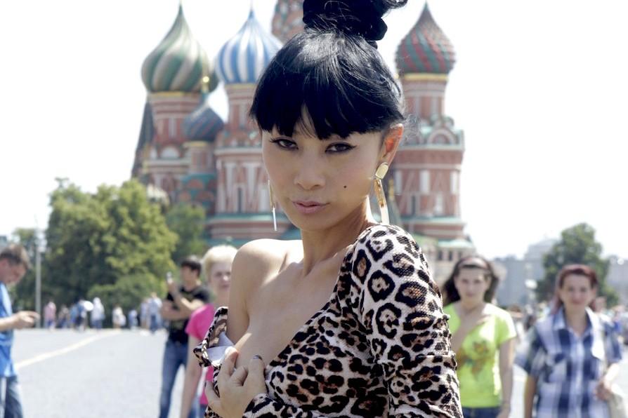 Американская актриса устроила обнаженную фотосессию на Красной площади