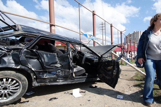 Трое детей погибли при столкновении Mercedes и ВАЗ в Чечне
