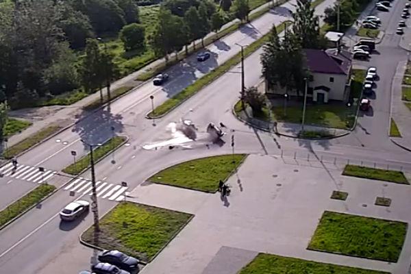 Страшное ДТП в Петрозаводске зафиксировала дорожная камера