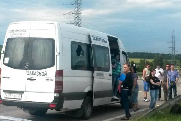 Пассажир ради глотка воздуха прострелил окно