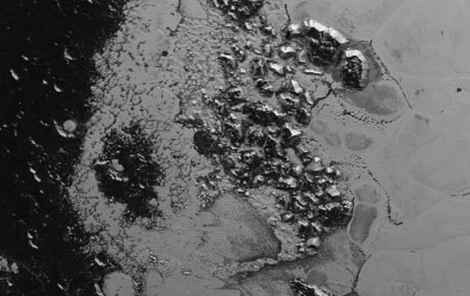 Опубликовано новое видео гор Плутона от NASA