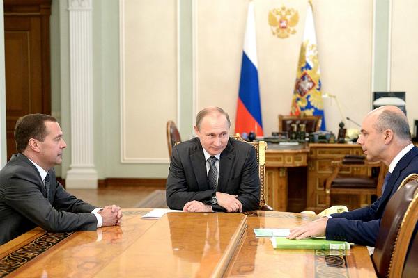 Путин обсудил бюджет с премьер-министром и главой Минфина